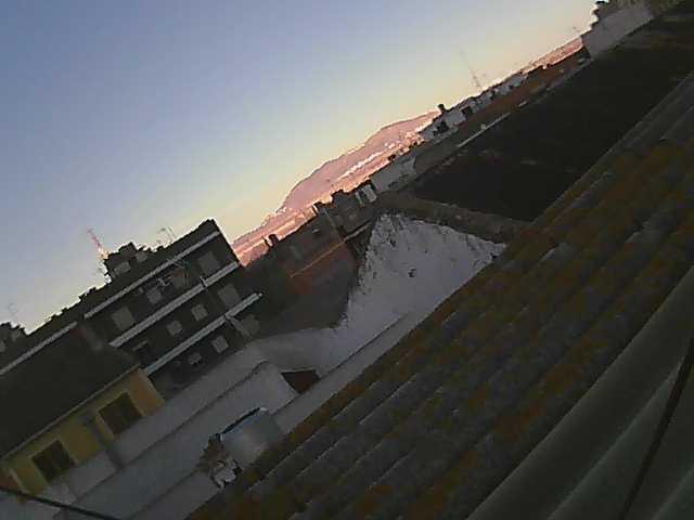 http://www.meteollauri.com/webcam/imagen000M